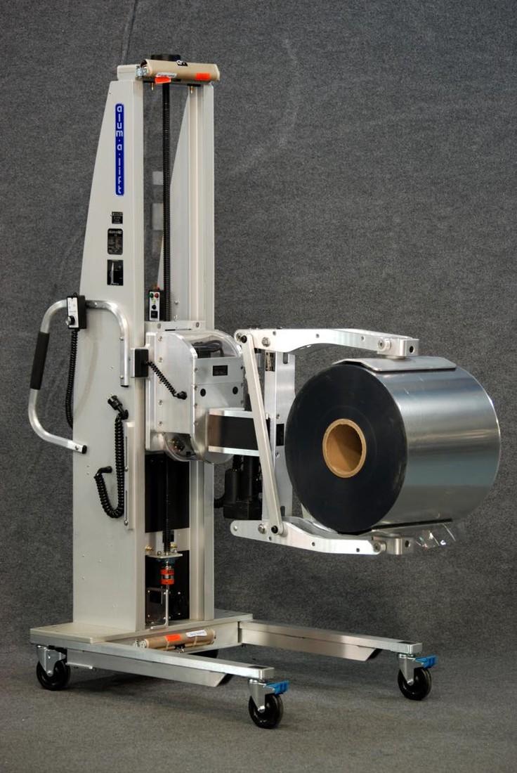 #22062 フィルムロールのロードに使用される電動クランプリフト