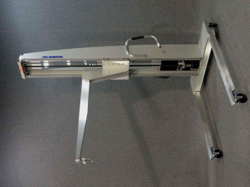#24138 ツーリングを扱うための定格荷重のホイストリングを備えた固定ブームリフト