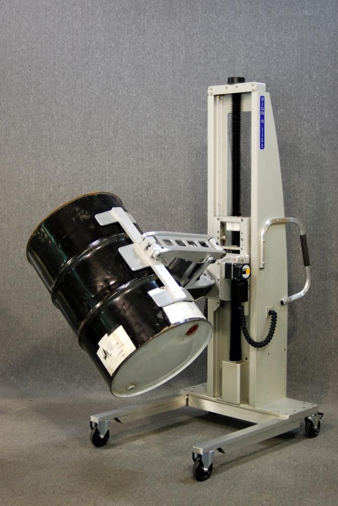 #25028 ドラムダンプ用のトラニオンを備えた電動クランプリフト