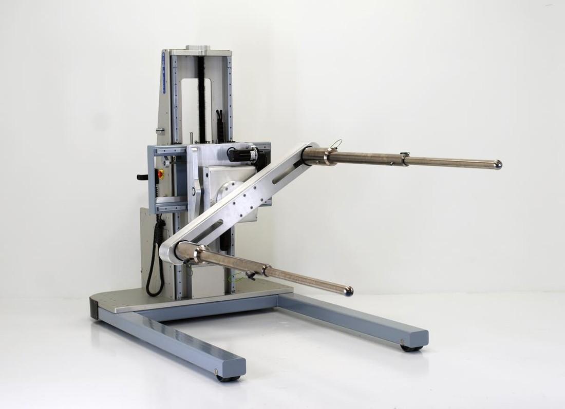 #27403A 粘土モデルを扱うための調整可能なフォークリフト