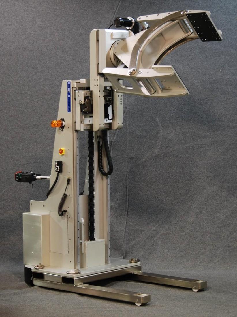 #22255 粒子加速器チャンバーを回転させるためのクランプを備えた動力駆動リフト
