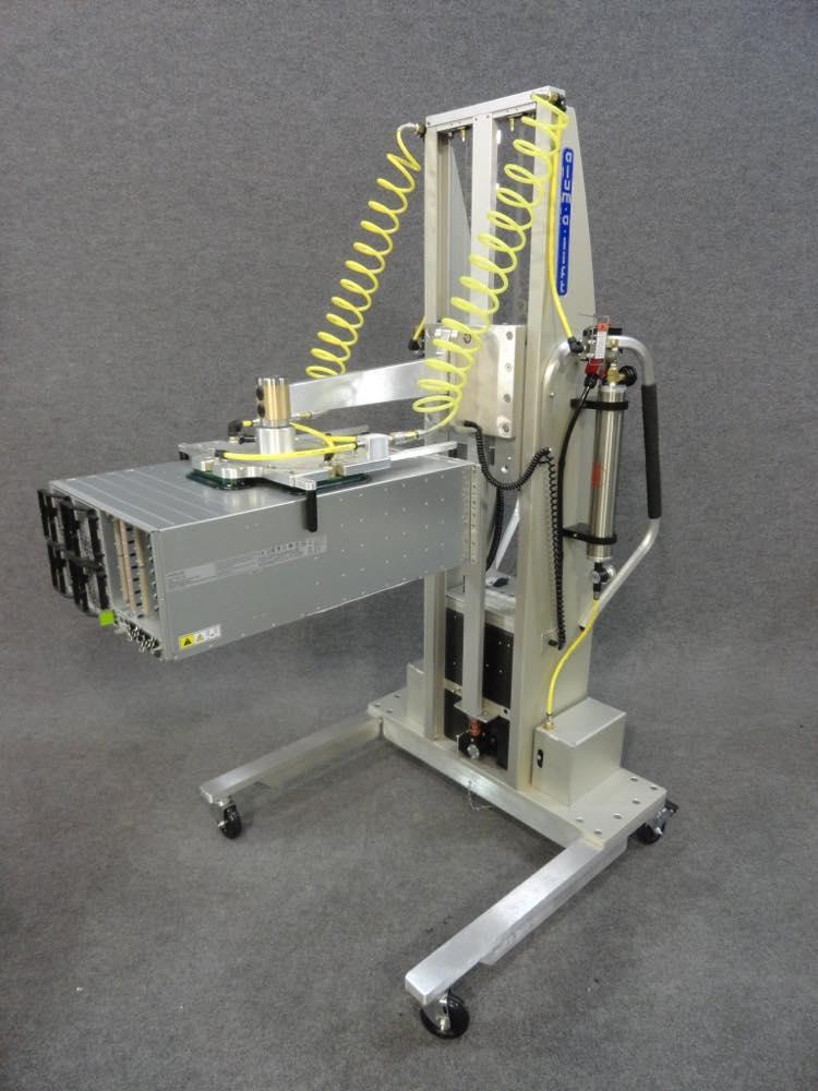 #23243 Vacuum lift with interchangeable swiveling head